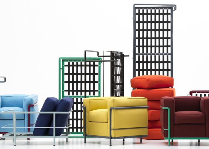 En ocasión del Salón del Mueble 2010, fue presentada la repropuesta de la clásica colección de sofás LC2 y LC3 diseñada por Le Corbusier, Pierre Jeanneret y Charlotte Perriand, en acabado brillante en seis nuevos colores. Foto gentileza de Cassina.