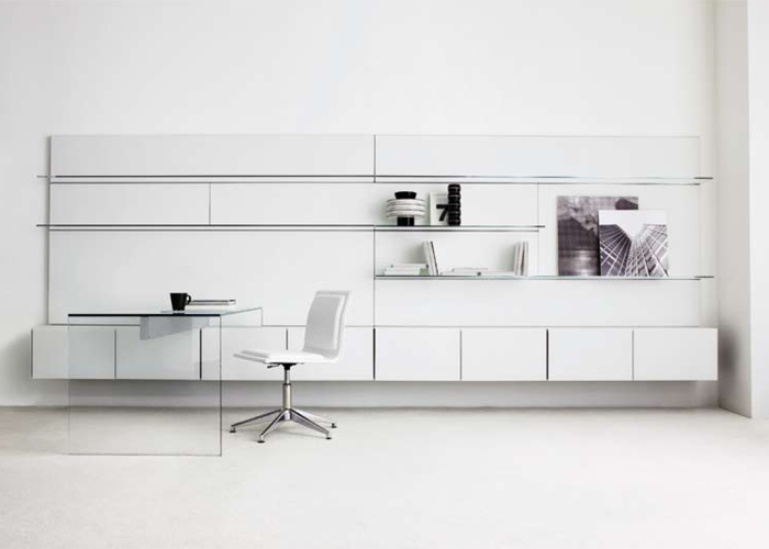 El nuevo sistema de boiserie Elle Plus 10 fue presentado en el Salón del Mueble de la Feria de Milán 2010, ahora componible con los contenedores de la colección Air Unit. Diseño de GR Studio. Foto: gentileza de Gallotti & Radice.