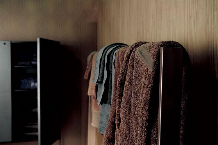 Touch Me, línea de toallas y salidas de baño de máxima suavidad y confort, disponible también en doble faz. Foto gentileza de Ivano Redaelli.