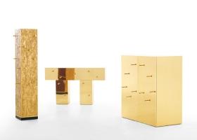 Todos las piezas de CSC Collection: Totem, Consolle, Cabinet, pueden estar provistos de revestimiento negro, plateado o dorado brillante. Diseño de Bruno Rainaldi. Foto gentileza de Opinion Ciatti.