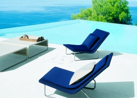 Sand, poltrona reclinable en acero inox y revestimiento en tejido Rope, resistente a la intemperie, diseño de Francesco Rota. Foto gentileza de Paola Lenti.