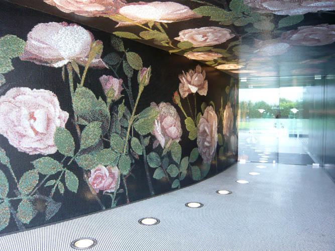 BISAZZA, Italia, Productora de mosaicos de vidrio para espacios de interior y exterior.